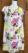 BNWT DOROTHY PERKINS WHITE FLORAL PLEATED FRONT SHIFT DRESS SIZE 18 *PRETTY*