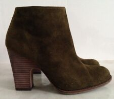 AS NEW~STUART WEITZMAN DEMIGRAN OLIVE SUEDE ANKLE BOOTS SZ 37~7 MADE IN SPAIN