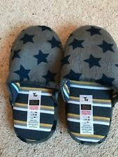 Boys Slippers Size 10-11