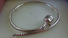 New Authentic Pandora Sterling Silver Bracelet size 6.7in/17cm