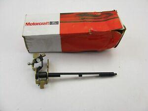 Motorcraft CM-4221 Carburetor Throttle Lever & Shaft - Ford 4.2L 5.0L 4.8L 2-BBL