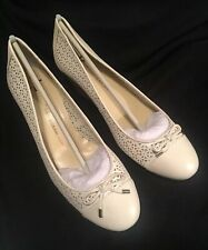 NEW ISAAC MIZRAHI LIVE Sarah Off White Leather Perforated Wedge Shoes Size 12
