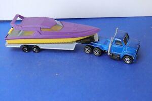 MAJORETTE ancienne camion semi-remorque transport de bateau violet et jaune