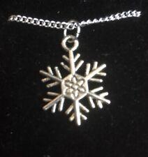 Snowflake Pendant Necklace (4)