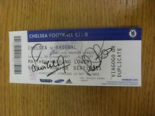 29/10/2011 billete autografiada: Chelsea V Arsenal-mano firmada por dos jugadores T