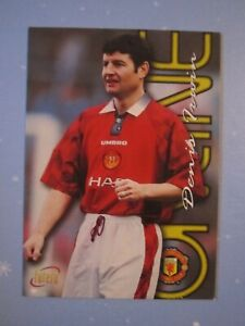 Denis Irwin Online card from the Manchester United 1997 Futera card set