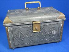 Beautiful Art Nouveau privy purse # Schöne Jugendstil Schatulle Porzellaneinsatz