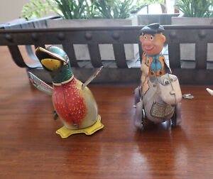 Vintage 1962 Fred Flintstone & Dino Tin Wind-Up Toy, Squawking Waddling Duck