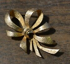 HEDY Goldtone Bow/Ribbon Style Pin/Brooch Vintage Accent Jewelry