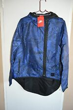 bnwt women's NIKE  jacket / windbreaker (Paris cape) size M