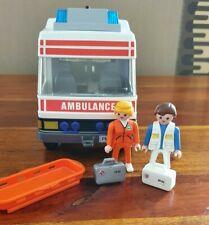Playmobil 3925 Rettungswagen mit Zubehör