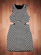 NEU PRIMARK Kleid 👗 Sommerkleid Trägerkleid Etuikleid Weiß Schwarz Gr. 38