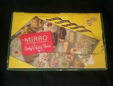 NEW NOS VTG  Mirro Cookie Pastry Press Handle  3 TIPS & 10 plates wood holder