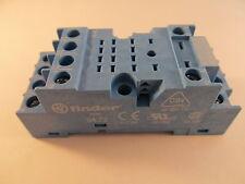 Finder 94.72 Sockel DIN Rail mit Schraubanschluss