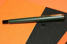 Parker 88 Rialto Matte Dark Green/Gold Clip Old Vintage Fountain Pen B Gold Nib