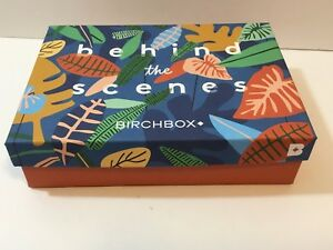 """Birchbox Birch box October 2017 with Foam Insert 7.25"""" x 5.5"""" leaves Leaf Excell"""