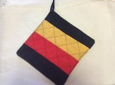 Quilted Pot Holder - football colours - Adelaide Crows