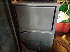 Ice Machine Any Size Commercial includes 24/7 Breakdown Rent £10 Per Week UK