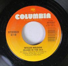Country 45 Willie Nelson - Island  In The Sea / There Is No Easy Way (But There