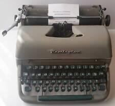 VINTAGE 1950s REMINGTON QUIET RITER PORTABLE TYPEWRITER & CASE