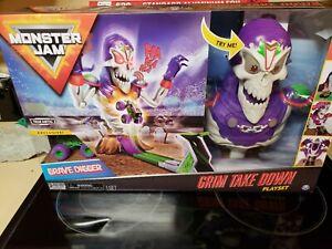 Monster Jam, Grim Take down Playset with Die-Cast Grave Digger Lights & Sounds