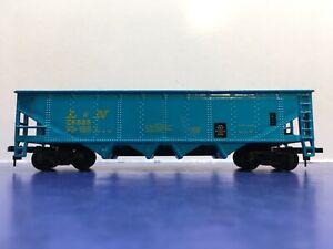 """HO Scale """"Louisville & Nashville"""" 4-bay Open Hopper Freight Train 38525"""