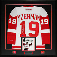 Steve Yzerman Detroit Red Wings Signed white jersey NHL Hockey Collector Frame