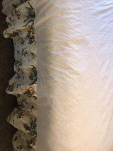 "WAVERLY WILLIAMSBURG MAGNOLIA GARDEN FLORAL Queen BED SKIRT JACQUARD 14""Drop"