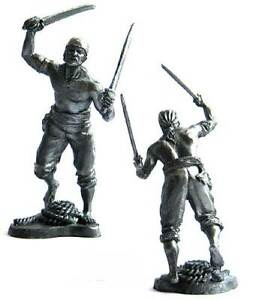 Pirate with two sabers, XVII-XVIII cc. Tin toy soldier 54 mm. metal