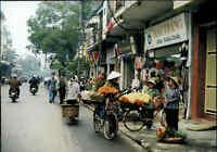 HANOI Hà Nội Vietnam Postkarte Postcard Hang Gai Street Strassen-Verkauf, Asien