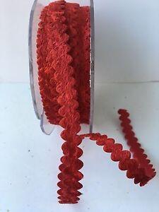 3/8 inch velvet ric rac ribbon - May Arts - MS25 - Red - 4 yards