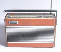 Vintage Roberts RP26 Portable Radio
