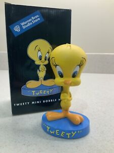 1998 Warner Bros. Studio Store  Cartoon Character Tweety Bobblehead!