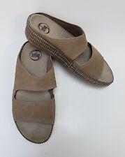 FitFlop Womens Shoes Sandals Beige Wedge Heels Slides Size US 9 / EU 41