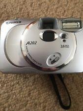 Digital Camera - FUJIFILM FINEPIX A202 2.0 mega pixels.