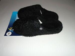 Isotoner Women's Eyelash Knit Hoodback Black Slipper Size SM 5-6 New With Tags