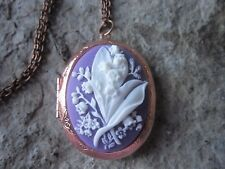 LILY OF THE VALLEY CAMEO ROSE GOLD TONE COPPER LOCKET - WHITE ON PURPLE - PHOTO