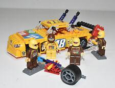 K'Nex Kyle Busch #18 M&Ms Car Building Set & Pit Crew Nascar Gibbs Racing