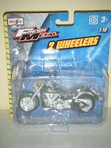 Maisto 1:18 Fresh Metal 2 Wheelers KAWASAKI VULCAN Motorcycle (Green)
