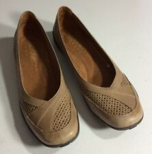 Auditions Womens Tan Leather Shoes Flats 9.5 N Soft Footbed Slip On Rubber Sole