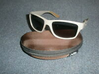 Fox Chunk Khaki Frame / Grey Lens Polaroid Sunglasses