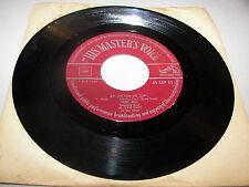 Tony Bell Ze Zitten Er Op! / Zo'n Walsje Van 1-2-3 45 VG+ Masters Voice 45GPB62