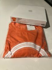 Apple Park T-shirt in Orange White X-small Unisex 100 Cotton
