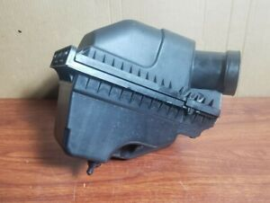 2010-2012 Lincoln MKT 3.7L Air Intake Cleaner Filter Housing OEM AG139C662AD