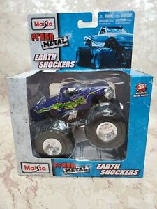 Maisto Earth Shockers Ford Monster Truck - Color: Violet with green snake.
