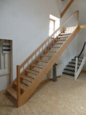 Treppe Holz massiv gerade Buche & Edelstahl Abverkauf aus Ausstellung