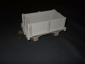 Hartland Locomotive Works 4 Wheel Gondola with /Kadee Couplers/Metal Wheels