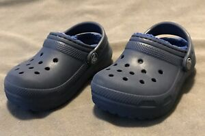 Crocs Toddler Boys Girls Navy Blue Fleece Lined Clogs Shoes Size 7