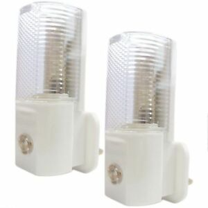 2 x AUTOMATIC ON/OFF PLUG IN NIGHT LIGHT LOW ENERGY SAFETY NIGHT LIGHTS NEW