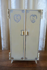 Sindy House Furniture Wardrobe with legs 1968